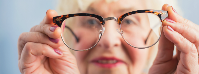 Nine Eye Health Signs to Look Out for in Elderly Relatives